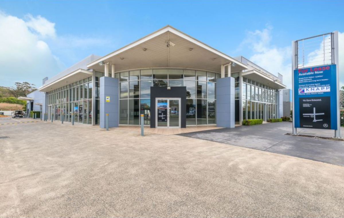 13 Blaxland Serviceway, Campbelltown